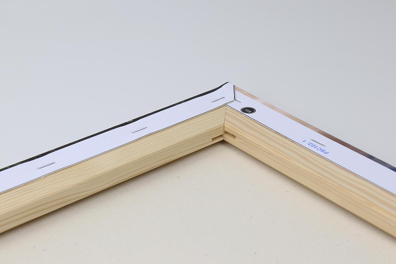 Der Keilrahmen besteht aus qualitativ hochwertigem Holz und wurde entsprechend verarbeitet.