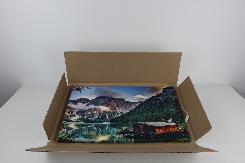 Müller verzichtet auf eine zusätzliche Plastikverpackung, was durch den guten Schutz der Pappverpackung völlig in Ordnung ist.